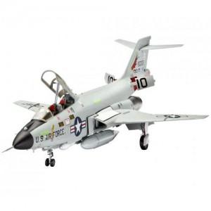 Avion de Lupta F-101 B Voodoo