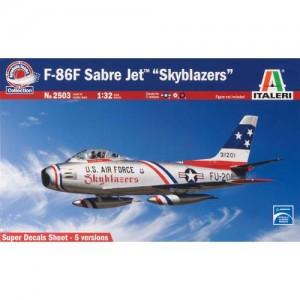 Avion F-86F Sabre Jet Skyblazers