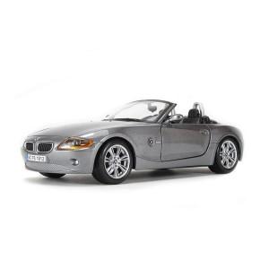 BMW Z4-Gri Metalizat si in Alb