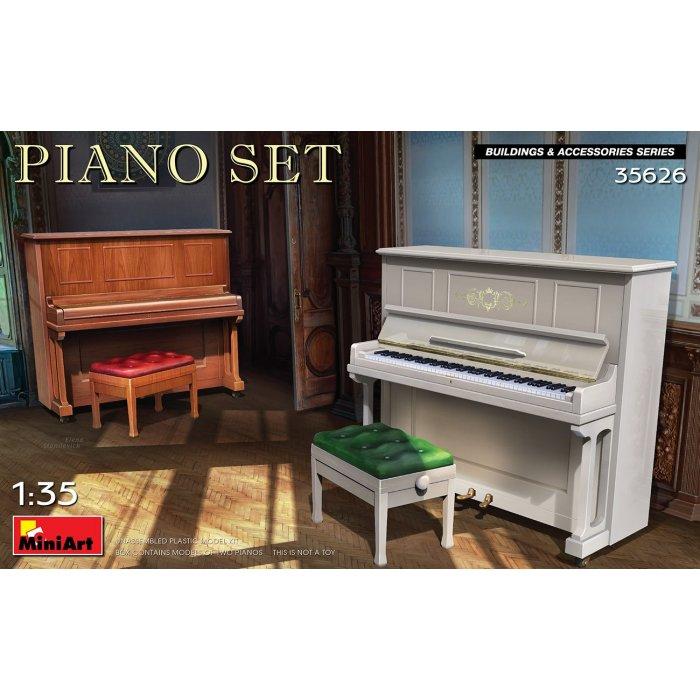 1:35 Piano Set 1:35