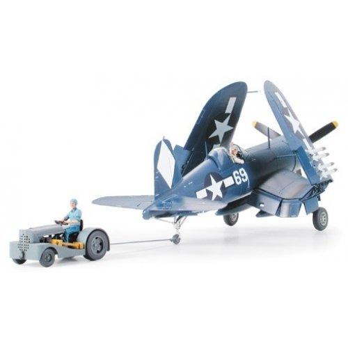 1:48 F4U-1D Corsair with Moto-Tug - 1 figure 1:48